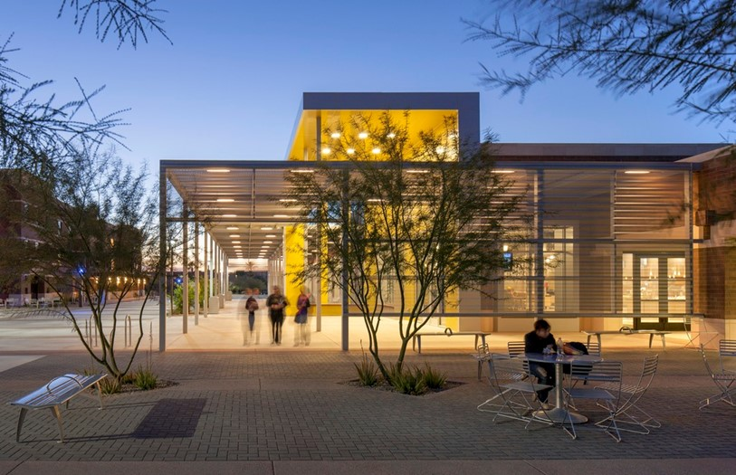 The student housing and dining master plan we developed with Arizona State was essential to the university in understanding what they needed and helped them determine that P3 was the right approach. Hanbury designed the Verde Dining Pavilion, seen here, which was one of the first buildings that came out of the plan.