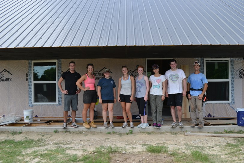 The Hanbury Summer Scholar team assists Rural Studio with the construction of the 20Kv12 Eddie's home in Faundsdale, Alabama.