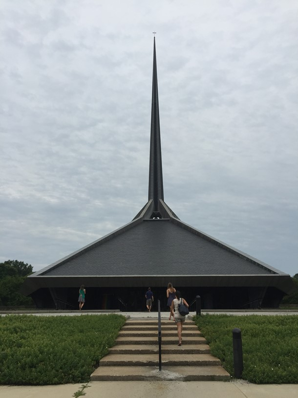 Summer Scholars at Eero Saarinen's North Christian Church